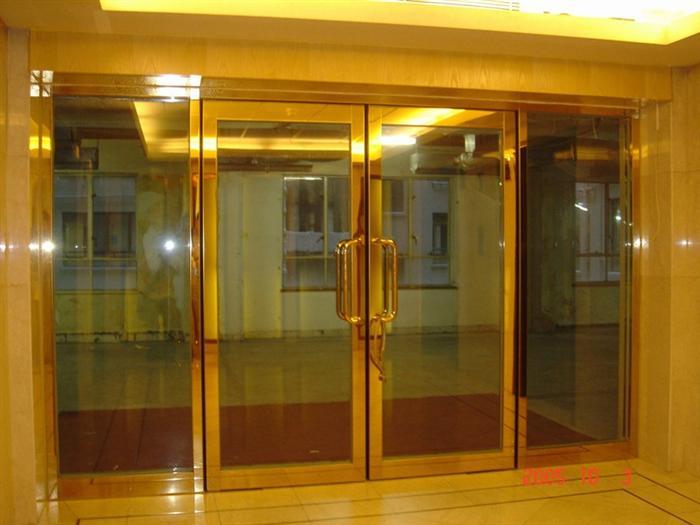 钛金防火玻璃门